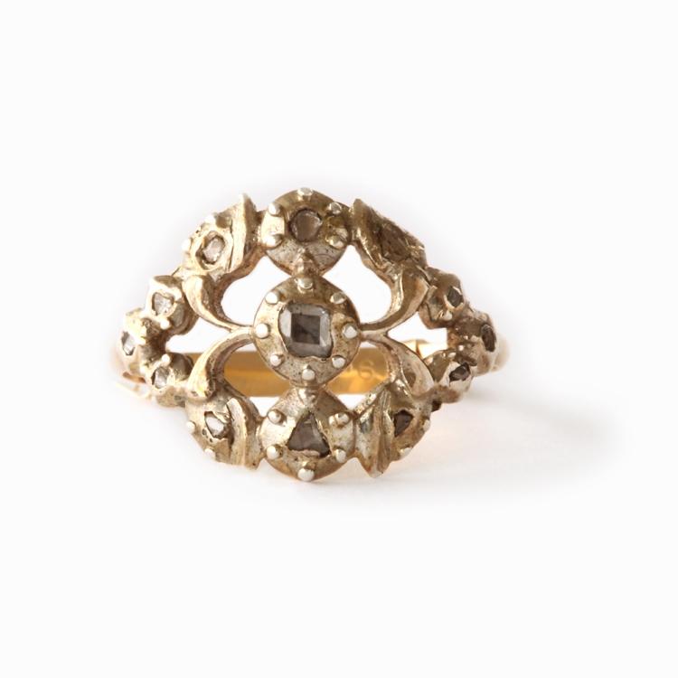 טבעת ג'ורגיאנית ,עם יהלומים בליטושים עתיקים.
