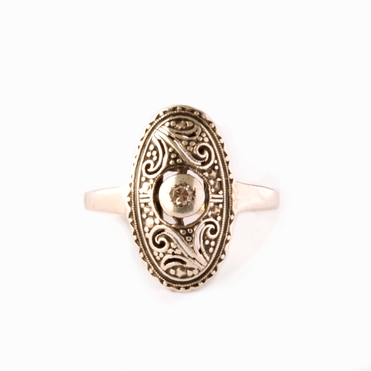 טבעת אובלית עתיקה, 14k עם יהלום.