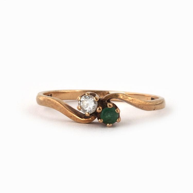 טבעת קרוס אובר עתיקה 9k עם אמרלד ויהלום