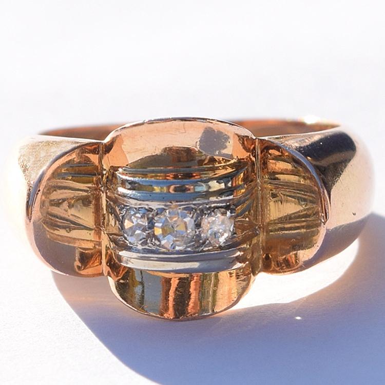 טבעת רטרו מיוחדת 18 יהלומים 1940