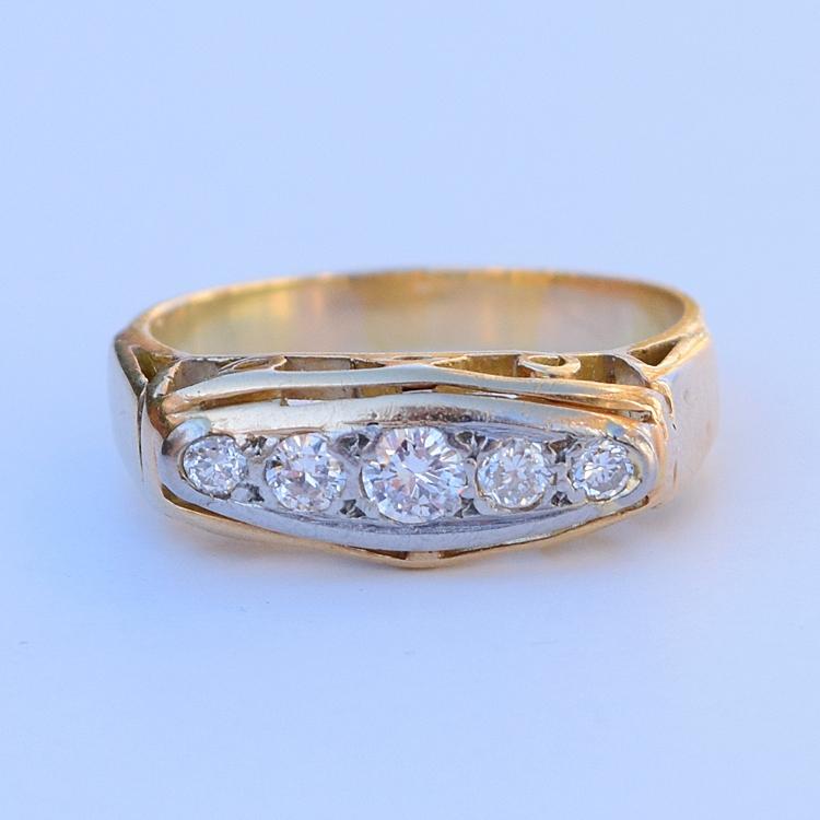 טבעת שורת יהלומים מאסיבית