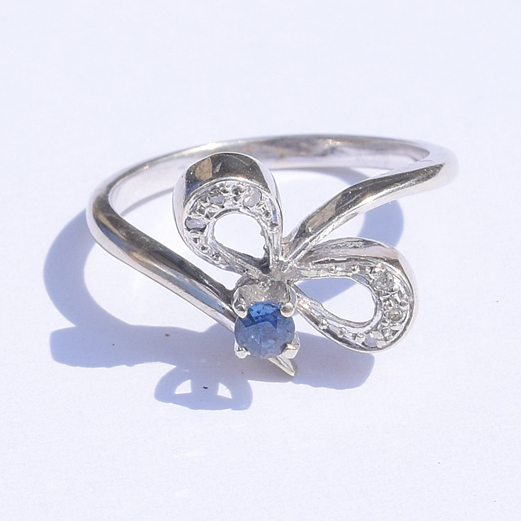 טבעת פפיון ספיר יהלומים