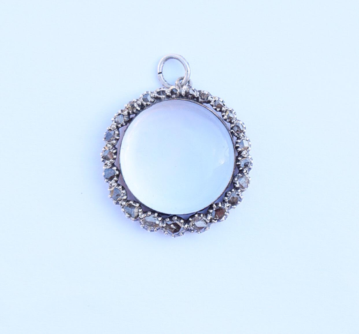 תליון לוקט ג'ורגיאני עם אבן rock crystal ויהלומים בשיבוץ foil
