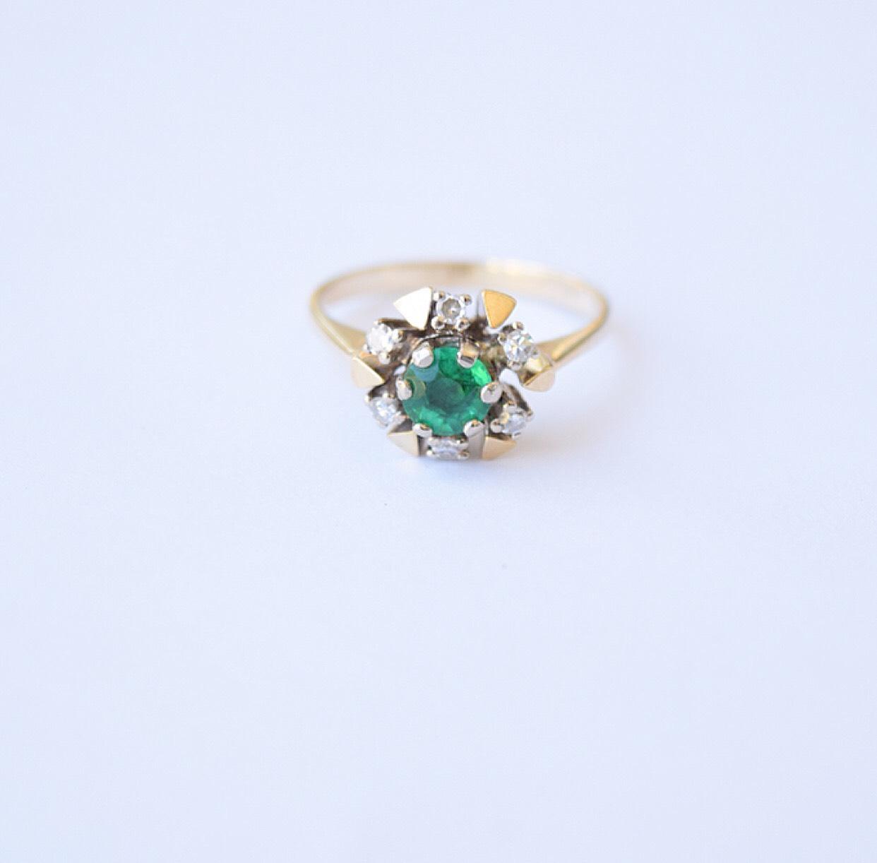 טבעת אמרלד יהלומים