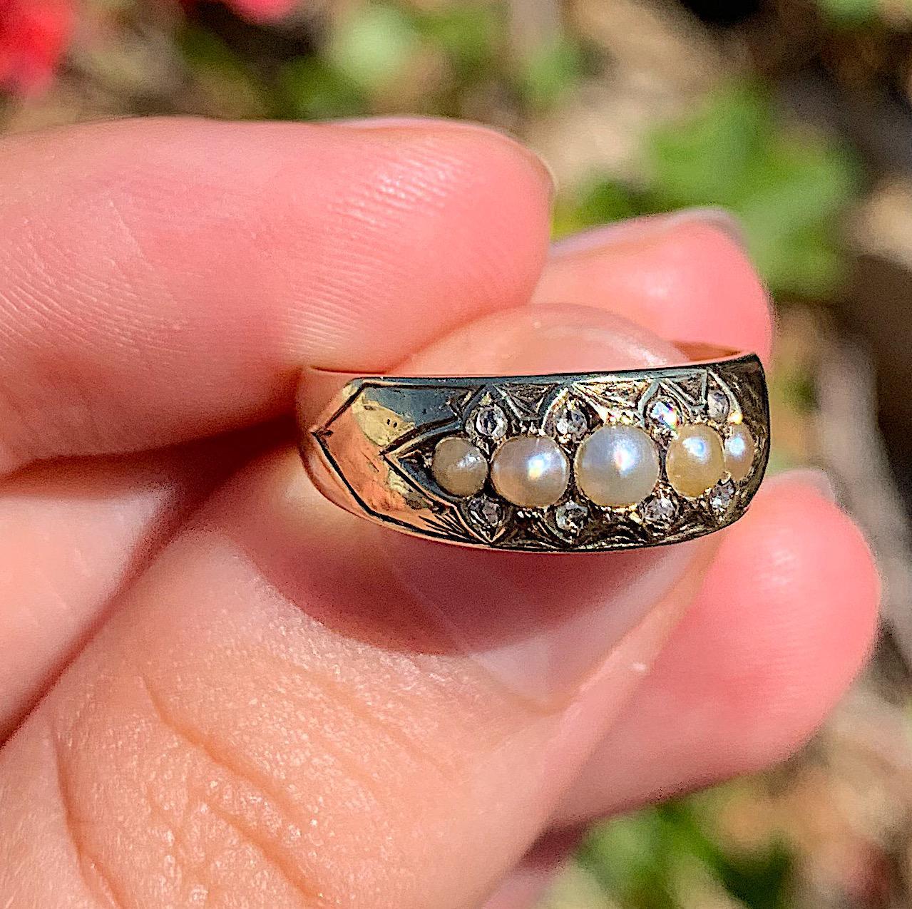 טבעת ויקטוריאנית זהב 15k עם פניני ים ויהלומים.