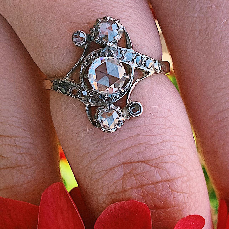 טבעת צרפתית עתיקה קרוס אובר, זהב 18k וכסף עם יהלומים.