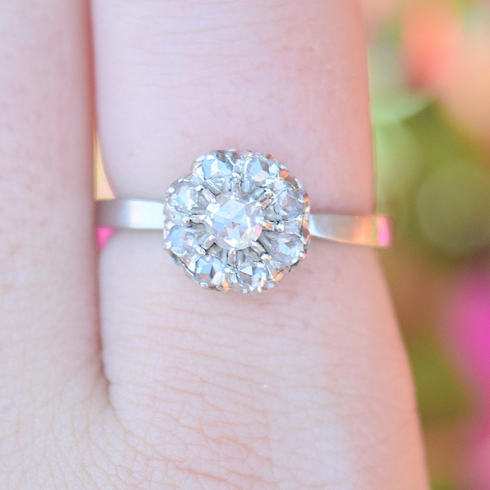 טבעת קלסטר עתיקה, זהב עם יהלומים.