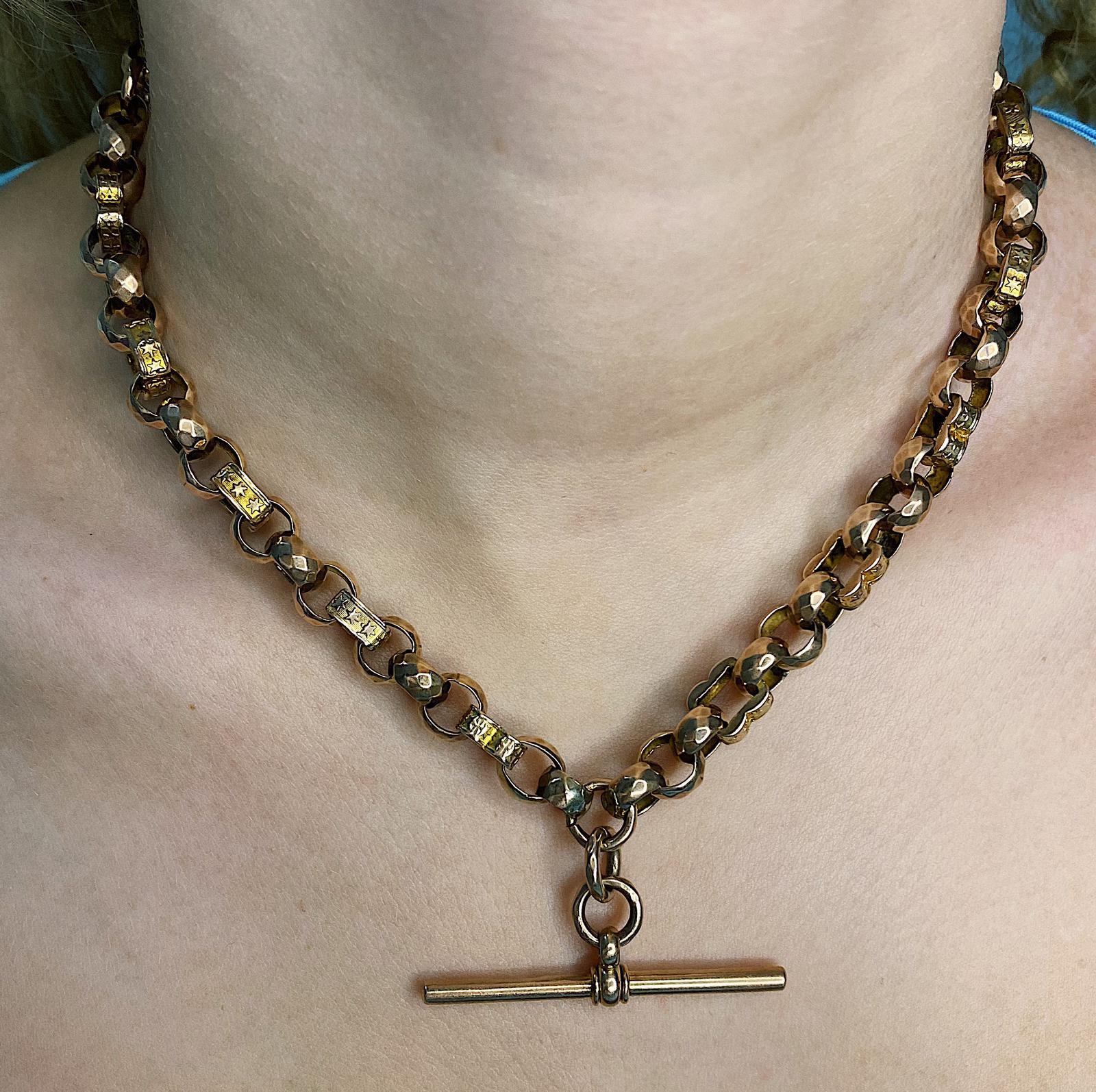 שרשרת ויקטוריאנית מזהב , T-BAR  ו – dog clasp 2 סוגרי. זהב אדום. ניתן לענוד גם כצמיד מלופף פעמיים .