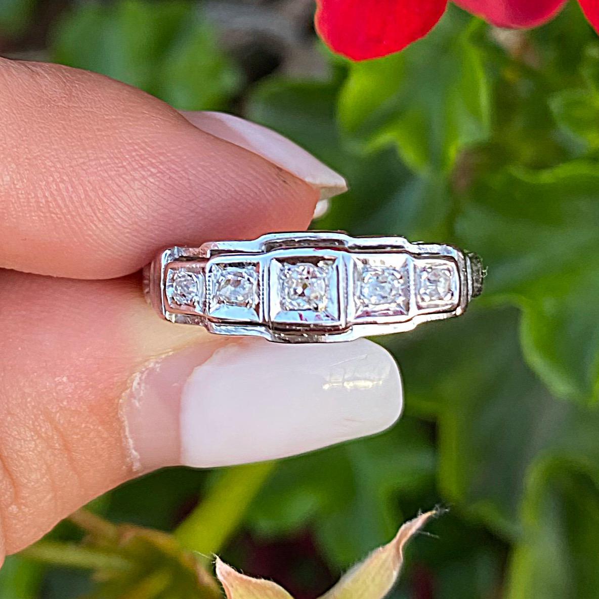 טבעת רטרו מרשימה, זהב 14k  עם יהלומים.