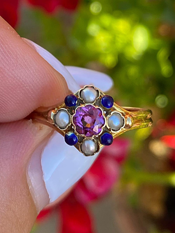טבעת עתיקה, זהב 18k (חתומה), עם טורמלין ורודה, אמייל ופנינים.