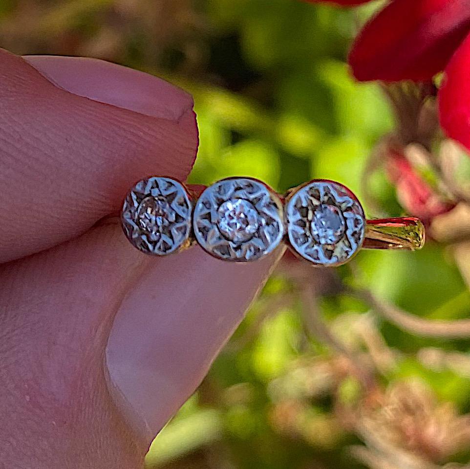 טבעת עתיקה, זהב 18k ופלטינה עם 3 יהלומים .